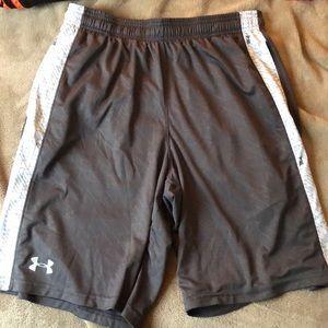 Under Armor Men's Medium Shorts